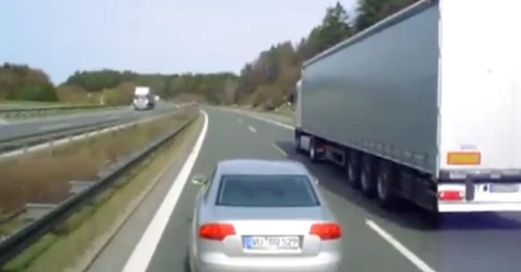 Deutsche Lesben treiben es neben der Autobahn