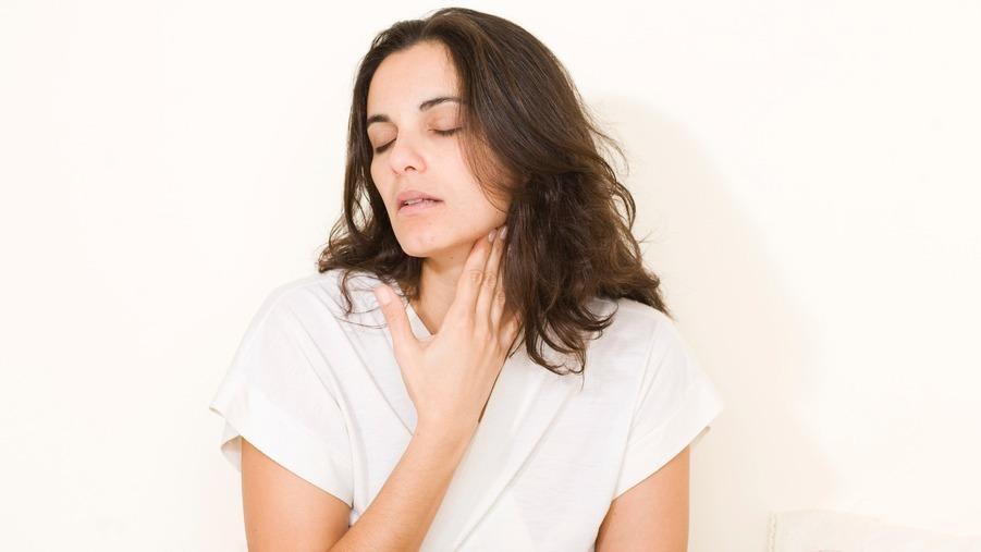 Mandelentzündung: Ansteckend? Was tun? Symptome, Dauer, Behandlung und Hausmittel