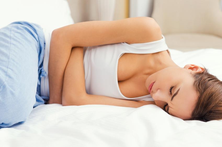 Prämenstruelles Syndrom (PMS): Symptome, Ursachen, Behandlung