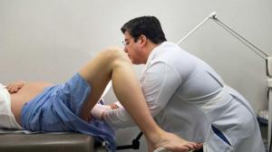 nackte frauen beim frauenarzt