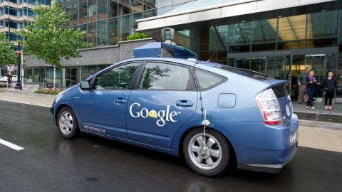 Die Automatikautos von Google hatten bereits 11 Unfälle, sind aber nicht für sie verantwortlich.