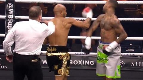 """Boxer wird wegen illegalem """"Sucker Punch"""" disqualifiziert"""