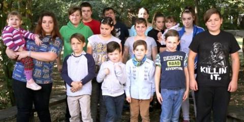 Armes Deutschland: Hartz-IV-Paar hat 14 Kinder und macht Zuschauer mit Ankündigung fassungslos!