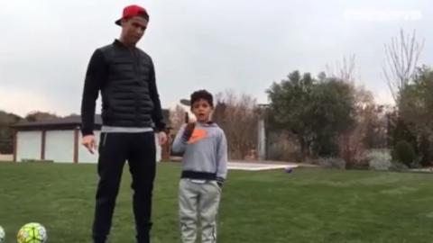 Cristiano Ronaldo: Sohn versenkt frechen Panenka-Elfer, seine Reaktion ist genial!