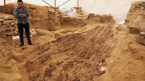 Ein 4.500 Jahre altes Schiff wurde in der Nähe der ägyptischen Pyramiden entdeckt