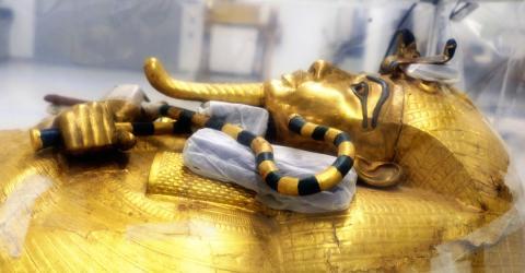 Der prächtige Sarkophag von Tutanchamun wird jetzt erstmals aufwendig restauriert