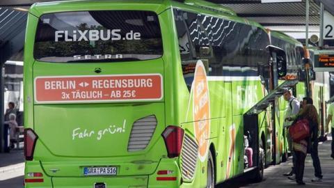 Flixbus: Frau filmt Fernbusfahrer und kann nicht fassen, was sie sieht