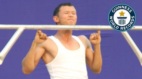 Maibam Itomba Meitei hält den Rekord in Klimmzügen mit den kleinen Fingern! Sein Training ist mega!