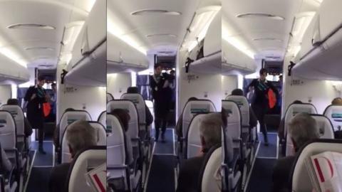 scharfe fotos von stewardessen wenn flugbegleiterinnen unter sich sind. Black Bedroom Furniture Sets. Home Design Ideas