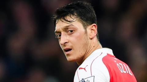 Krebs-Nachricht erschüttert Mesut Özil