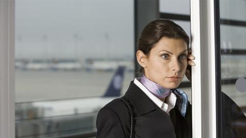 4 Stewardessen gestehen: Darum haben sie an Bord immer Angst
