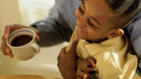 11-Jähriger leidet unter heftigen Krankheit, dann verschreibt ihm der Arzt Espresso