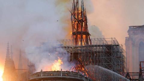 Nach dem Brand von Notre-Dame Paris wurden Spuren gefunden: Bauarbeiter packen jetzt aus