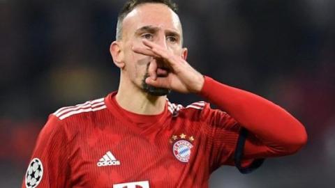 Frank Ribery wird danach nie wieder ein goldenes Steak essen!
