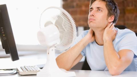 Hitzewellen im Sommer: Das könnt ihr gegen die Müdigkeit tun