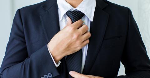 Gesundheit: Aus diesem Grund solltet ihr nie eine Krawatte tragen!