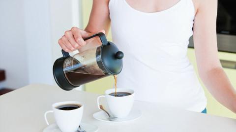Experte erklärt: Hilft Kaffee wirklich beim Abnehmen?