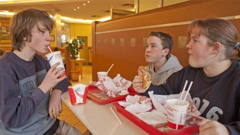 Sie gehen in München zu McDonald's - Dann infizieren sie sich mit hochansteckendem Virus