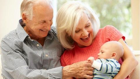 Studie: Oma und Opa schlecht für die Gesundheit von Kindern