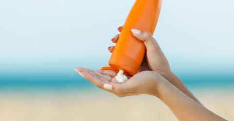 Wenn ihr Sonnencreme aus dem Vorjahr verwendet, setzt ihr euch diesem Gesundheitsrisiko aus
