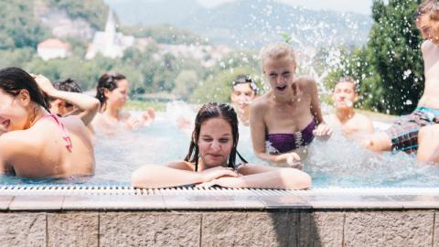 Experten warnen: So viel Urin befindet sich im Wasser von Schwimmbädern