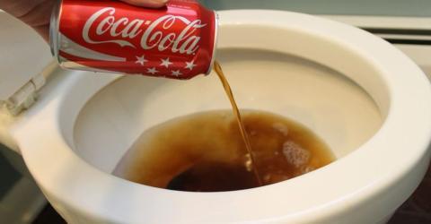 Coca-Cola als Reinigungsmittel: Der Video-Beweis