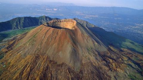 Tödliche Gefahr mitten in Europa: Bricht der Vesuv bald aus?