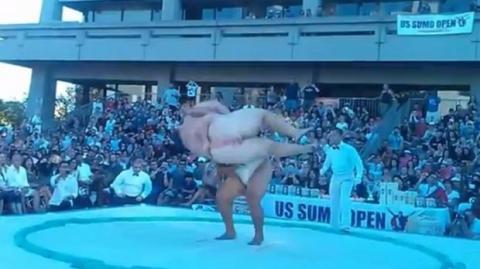 Unglaublich: So einen schnellen Sumo-Kampf habt ihr noch nie gesehen!