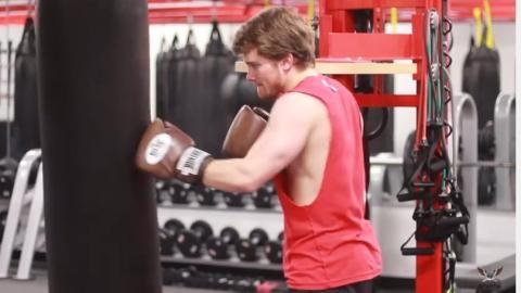 Macht diese 3 Übungen, wenn ihr stärker zuschlagen wollt!