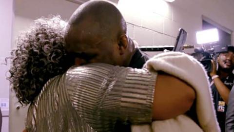 Unglaubliche Szene beim UFC 235: Er besiegt Tyron Woodley, dann bricht er zusammen