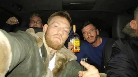 UFC: Was hat Conor McGregor kurz vor seinem Angriff auf Khabib Nurmagomedov gemacht?