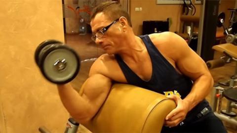 Jean-Claude Van Dammes Training zur Vorbereitung von Expendables