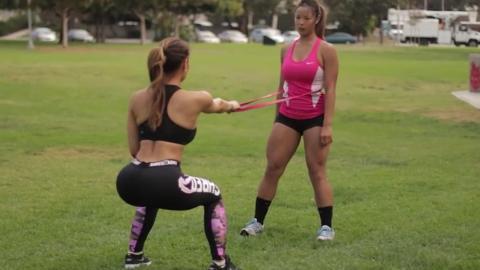 Daphne Joy erfindet eine der aufregendsten Trainingsmethoden seit langem…