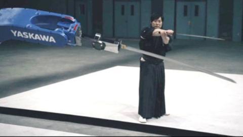 Samurai-Meister vs. perfektionierter Roboter: Wer wird gewinnen?