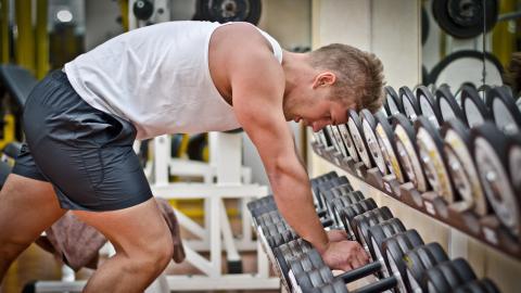So kannst du mit Hilfe deines Workouts deine Abhängigkeiten in den Griff kriegen!