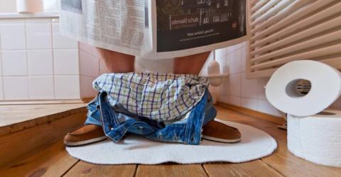 Wir alle machen es falsch: Der Gang zur Toilette schadet der Gesundheit!