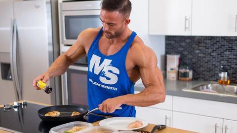 Diät und Ernährung: Zu dieser Uhrzeit müsst ihr essen, um euren Fettabbau zu optimieren!