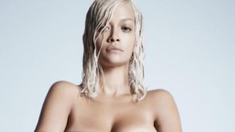 Rita Ora zieht für Instagram komplett blank!