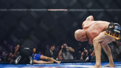 Peinliches Comeback: Chuck Liddell blamiert sich im Kampf gegen Tito Ortiz