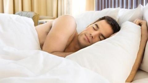 Wieviele Stunden Schlaf benötigen Sie, um tagsüber nicht müde zu sein?