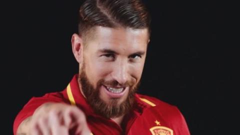 EM 2016: Die peinliche Hymne der spanischen Spieler mit Sergio Ramos in der Hauptrolle