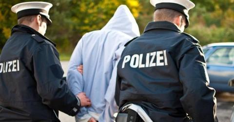 Berliner Polizei lässt Tunesier mit 18 Identitäten frei