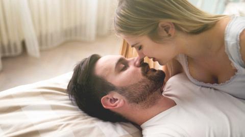 Neuer Liebestrend: Wie Karezza eure Beziehung aufpeppt!