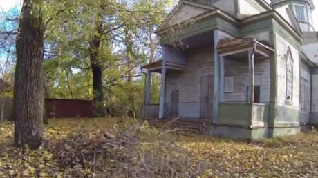 Verlassene Kirche in Tchernobyl: Was er filmt, lässt ihm das Blut in den Adern gefrieren