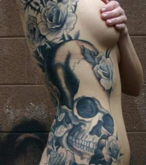 Rippen frauen tattoos Tattoo Rippen