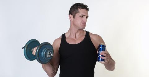 Diese Getränke können euren Muskelaufbau zunichte machen