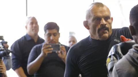 Chuck Liddell: So fies macht sich Tito Ortiz beim öffentlichen Training über ihn lustig