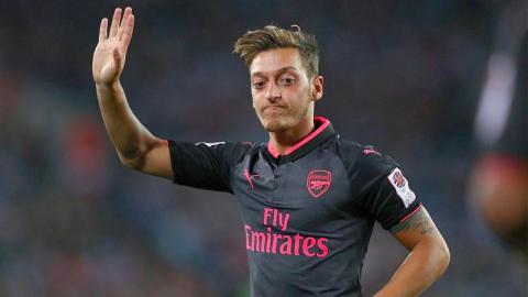 Mesut Özil spricht über seinen Wechsel in die Türkei