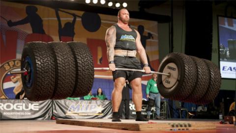 The Mountain schreibt einen neuen Deadlift-Rekord von 472 kg
