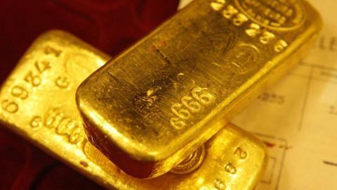 Paar entdeckt 28 Goldbarren im eigenen Garten: Doch dann meldet sich das Finanzamt